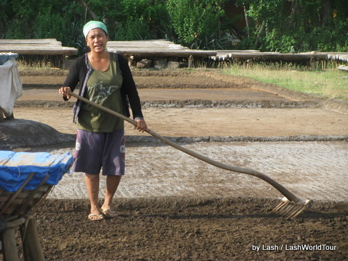 woman making salt- Amed- Bali