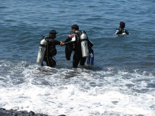diving story- divers- Tulamben Liberty Shipwreck dive