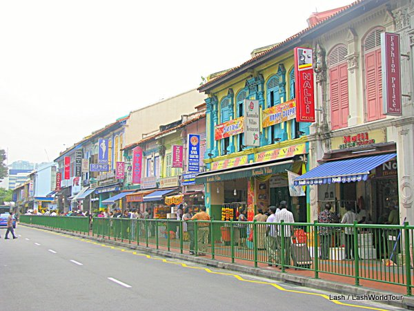 Singapore tips- Little India colorful shops