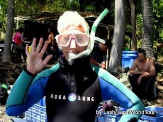 dive professional - Lash teaching diving in Thailand