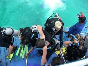 Lash teaching diving in Thailand