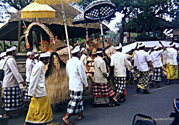 Balinese ceremony in Ubud