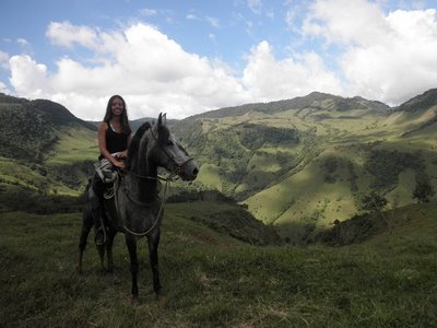 travel interview- Jasmine horse back riding in Jardin Colombia