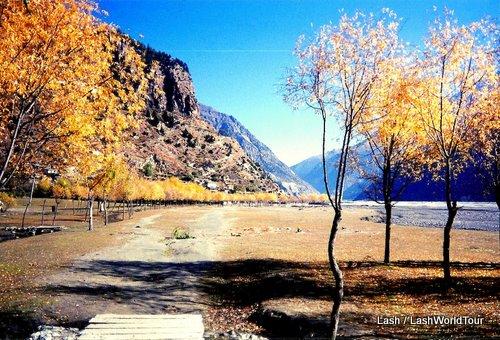 valley on Annapurna Circuit- Nepal