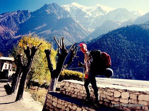 Lash trekking Annapurna Circuit