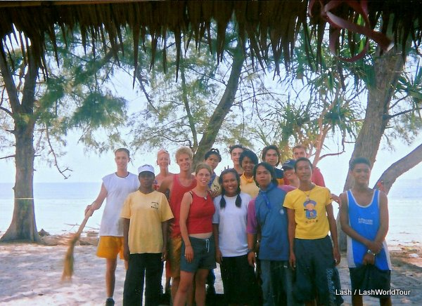 Lash with Thai crew - Survivor Thailand