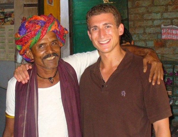 Tea Stall Owner - Bundi - India - Wandering Earl