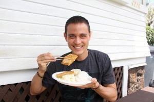 travel interview - Mark Wiens - Migrationology - Eating Thai Food