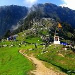 hike in the Indian Himalayas to Triund