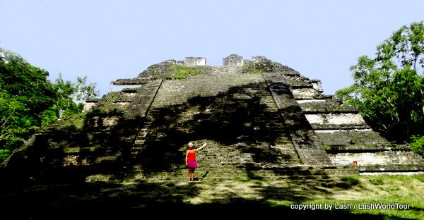 Talud TableroTemple - Tikal-Guatemala