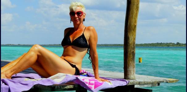 Lash suntanning at Bacalar Lake