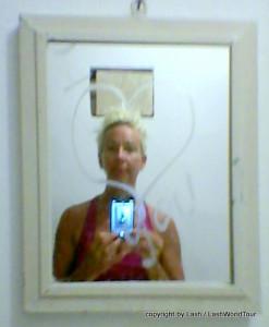 BAthroom Mirror - I Love You