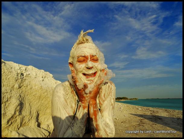 Lash taking clay bath at Rio Lagartos - Yucatan - Mexico