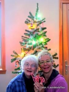 Lash n mom with Xmas tree