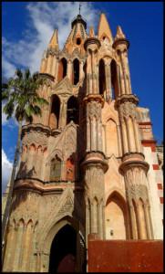 the elaborate Barroque church Paroquia de San Migeul Arcangel - San Miguel de Allende - Mexico