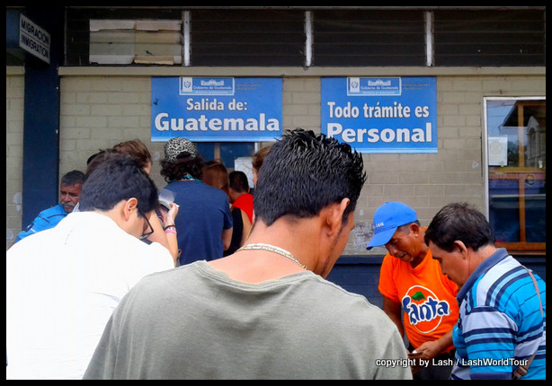 Guatemalan immigration at border with El Salvador