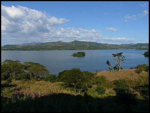 Lake Suchitoto - photo by Xorge on Flickr CC