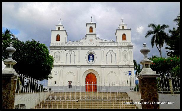 Historic church in Ahuachapan = El Salvedor