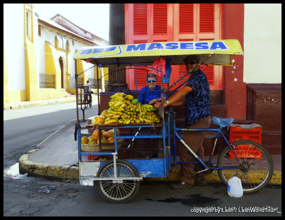 fruit vendors in Leon