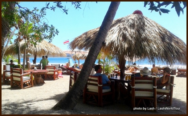 restaurants on the sand at Playa Samara